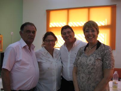 מימין לשמאל: מנהלת מחוז תא הגב חיה שיטאי, מנהל המחלקה לחינוך מר סמי עטר, יור צוות עיר והמפקחת על