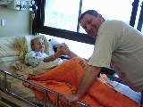 אבא, איתמר רז זל ואני בהורדת ידיים בבית חולים